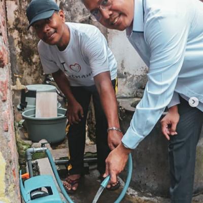 Peresmian master meter di Darmokalimir bersama USAID IUWASH