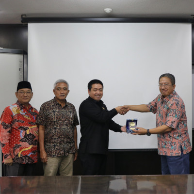 Kunjungan PDAM Kota Cirebon